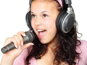 Karaoke Mikrofon zum singen dabeim